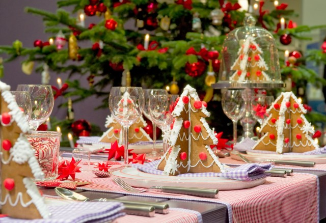 adorable_12_christmas_table_decorations-640x438